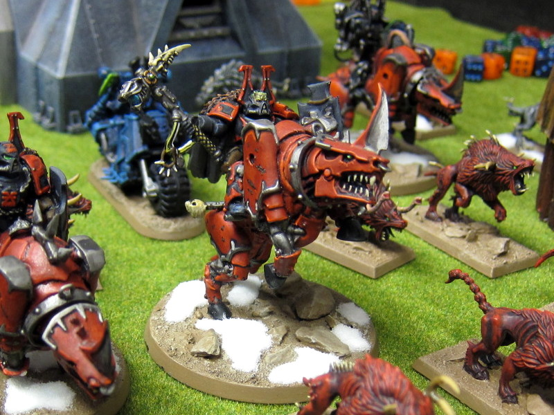 Chaos Marines ride to the assault on Solypsus 9!