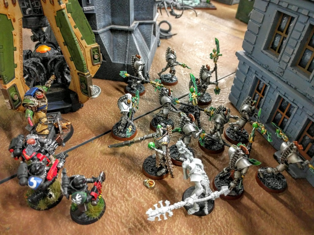 Deathwatch flame the Lychguard on their home objective.