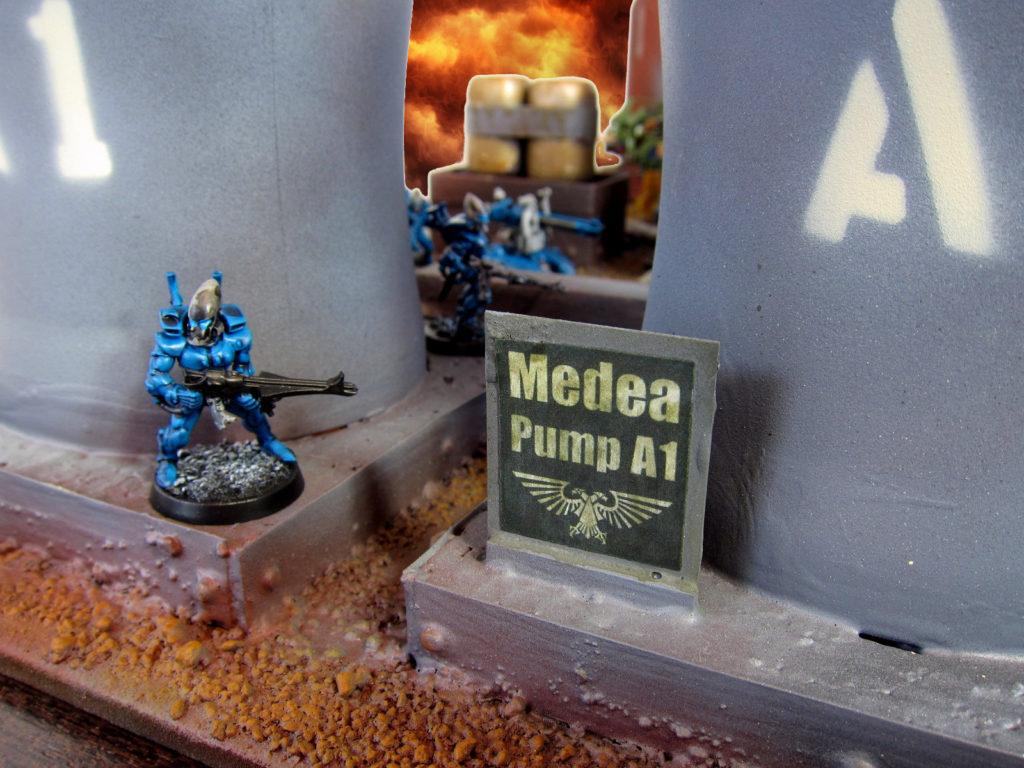 medea-pump-sign